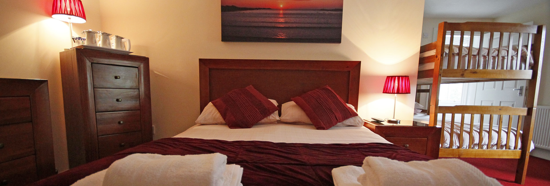 Bedroom accommodation, Elphinstone Hotel, Biggar